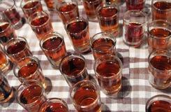 Många skott som fylls med alkohol Royaltyfri Fotografi