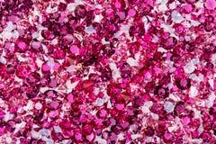 Många små rubin- och diamantstenar, lyxig bakgrund Fotografering för Bildbyråer