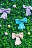Många stor bow på jultree Royaltyfri Foto
