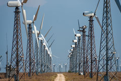 Många vindturbiner Royaltyfria Bilder