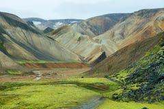 Mångfärgade berg på Landmannalaugar Arkivfoto