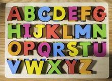 Mångfärgade bokstäver för latinskt alfabet royaltyfria bilder