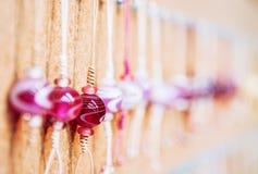 Mångfärgade glass pärlor, härliga Glass pärlor stänger sig upp Fotografering för Bildbyråer