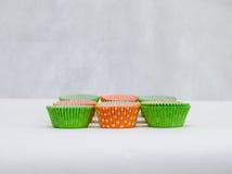 Mångfärgade pappersformer för muffin Royaltyfria Foton