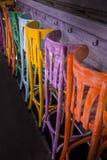 Mångfärgade stolar Arkivbilder