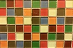 mångfärgade tegelplattor Arkivbilder