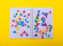 Mångfärgade träbokstäver av det engelska alfabetet Fotografering för Bildbyråer
