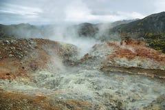 Mångfärgat geotermiskt område av Landmannalaugar Arkivbild