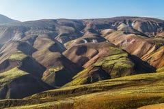 Mångfärgat landskap i Landmannalaugar NP, Island Royaltyfri Bild