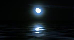 månsken över havet royaltyfri foto