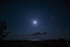 Månsken på havet Fotografering för Bildbyråer