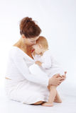 Mère avec la chéri Image stock