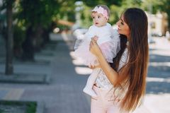 Mère avec la fille image stock