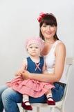Mère avec la fille de bébé Photos stock