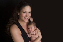 Mère avec le jeune bébé Photo stock