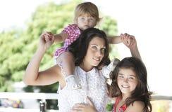 Mère avec ses belles filles Image libre de droits