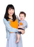 Mère avec son fils de chéri photos stock