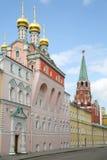 Mère d'église de Kremlin d'éloge de Dieu à la journée de printemps Photographie stock