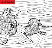 Mère de chat et son chaton - livre de coloriage pour des adultes - livre de chat de zentangle Images stock