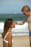 mère de garçon de plage image libre de droits