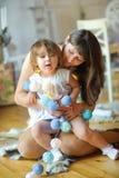 Mère ensemble dans la petite fille Photo libre de droits