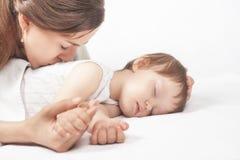 Mère et bébé heureux Photographie stock libre de droits