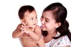 Mère et descendant heureux Image libre de droits
