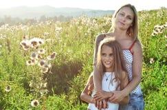 Mère et dougther heureux Photo libre de droits