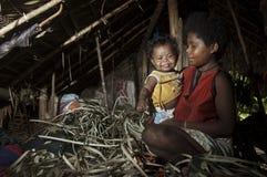 Mère et enfant Agta Photo libre de droits