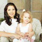 Mère et enfant - amour parental Photos stock