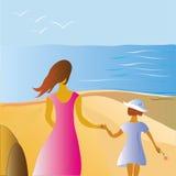 Mère et enfant au bord de la mer Photo libre de droits