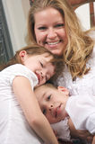Mère et enfants Photographie stock