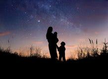 Mère et enfants photos libres de droits