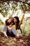 Mère et fille dans le pré Photographie stock