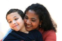 portrait d 39 une maman heureuse et de son fils image stock image du gosse gentil 30174729. Black Bedroom Furniture Sets. Home Design Ideas