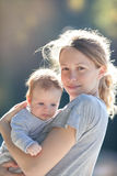 Mère et son enfant Photos libres de droits