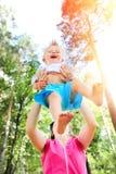 mère heureuse d'enfant Image libre de droits