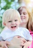 mère heureuse d'enfant Photos stock