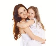 Mère heureuse et petite fille affectueuse Images libres de droits