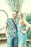 Mère heureuse et son fils dehors sur l'île de Bali, Indonésie Famille dans le voyage Photo stock