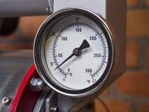 Mètre d'indicateur de pression installé, équipement de mesure d'outil Image libre de droits