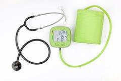 Mètre et stéthoscope de tension artérielle Photographie stock