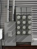 Mètres de mesure de l'électricité Photographie stock libre de droits