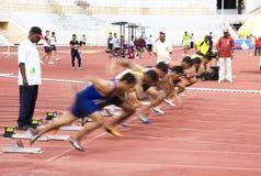 Mètres de Sprint des hommes 100 (brouillé) Image stock