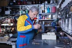 Mécanicien à l'atelier Image libre de droits