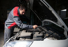 Mécanicien de véhicule Service des réparations automatique Photographie stock