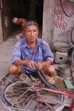 Mécanicien de vélo Images libres de droits