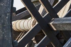Mécanisme de tension de corde pour la catapulte photographie stock libre de droits