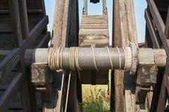 Mécanisme de tension de corde pour la catapulte photo libre de droits