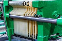 Mécanisme industriel de filtre de cartouche à l'établissement vinicole photos stock